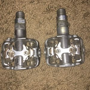 Icon Bicycle Pedals 🚲